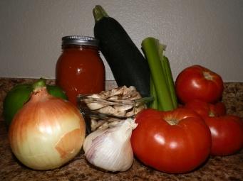 home made spaghetti sauce, marinara sauce, vegetable spaghetti sauce, easy home grown and made marinara sauce